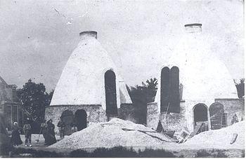 Fotoreproductie uit 1985 van een foto uit c.1905
